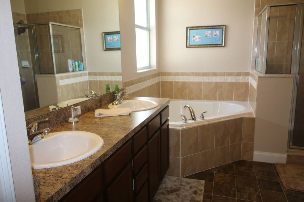 Bathroom Cabinets Lakeland Fl 2711 berkford cir lakeland fl 33810 - lakeland real estate